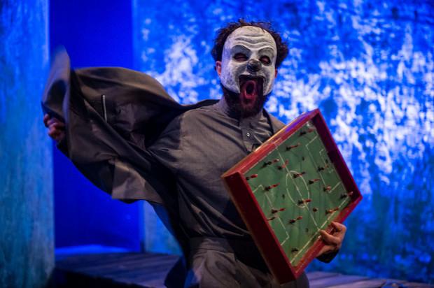 Najciekawszą postać z grona oprawców gra Krystian Wieczyński (na zdjęciu).