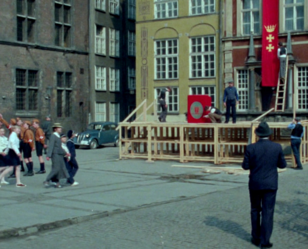 """Większość scen kręconych była we Wrocławiu. W każdym niemal odcinku można jednak zauważyć plenery z Trójmiasta. W drugim epizodzie pt. """"Bursztynowe serce"""" widać fragment Długiego Targu i Dworu Artusa."""