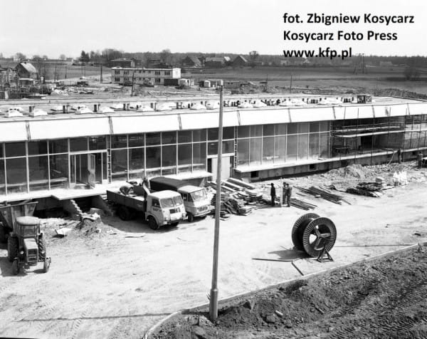 Budowa lotniska w Rębiechowie. 6 kwietnia 1974 roku.