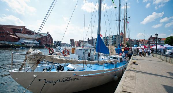 """Jacht """"Joseph Conrad"""" co roku brał udział w paradzie rozpoczynającej sezon żeglarski."""