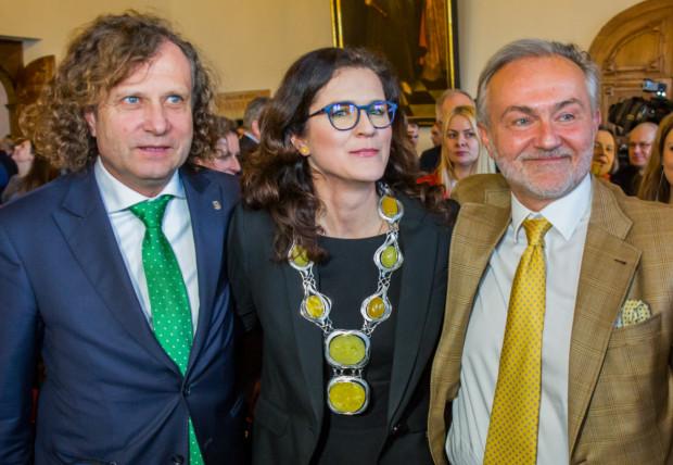 Aleksandrę Dulkiewicz zaprzysiężono na prezydenta Gdańska 11 marca.  Jacek Karnowski, prezydent Sopotu (z lewej) obecnie jest najbardziej majętnym włodarzem w Trójmieście. Prezydent Gdyni od lat wykazuje podobny majątek.