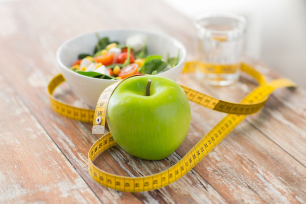 Szkoda czasu na dziwne, modne diety, bo żadna z nich nie działa tak dobrze jak racjonalne odżywianie i konsekwencja w działaniu.