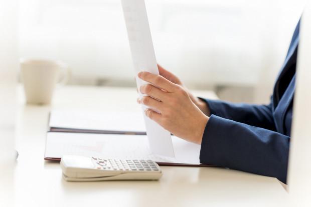 Aby uzyskać prawo do emerytury pomostowej, konieczne jest spełnienie łącznie kilku warunków.