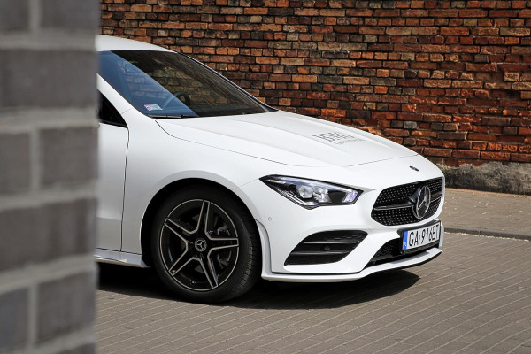 CLA Coupe to kolejny przedstawiciel nowego kodu stylistycznego Mercedes-Benz.