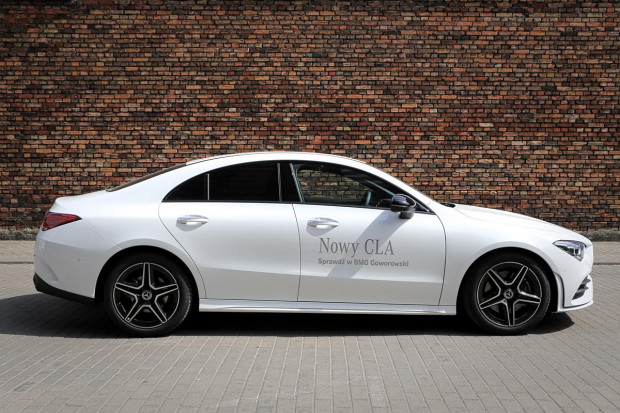 Nowe CLA Coupe względem poprzednika nieznacznie urósł.