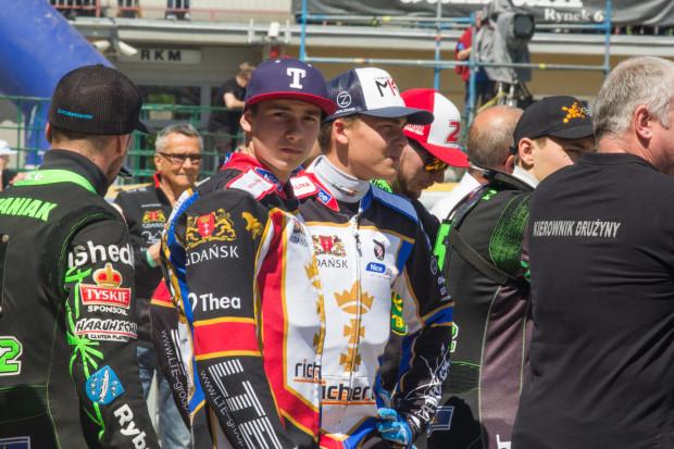 Karol Żupiński (z lewej) i Denis Zieliński (z prawej) w czwartek mieli startować w Grudziądzu w finale Brązowego Kasku. Zawody przełożono ze względu na niekorzystne prognozy pogody.