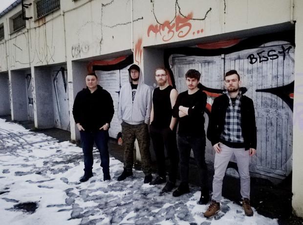 Jednym z zespołów, które biorą udział w przeglądzie jest nu-metalowy Nobility Stalk.