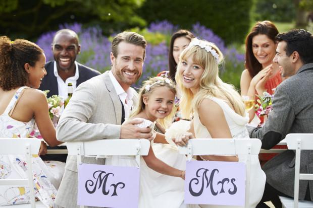 Zapraszać z dziećmi czy bez - do niedawna był to dylemat wielu młodych par organizujących jedną z najważniejszych imprez w życiu.