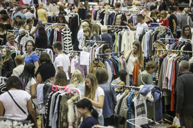 Ubraniami będzie można się wymienić na 100czni.
