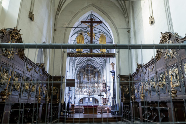 Kościół św. Mikołaja zamknięto w październiku 2018 roku z powodu zagrożenia katastrofą budowlaną spowodowanego spękaniami sklepień i filaru z powodu rozluźnionego gruntu pod posadzką.