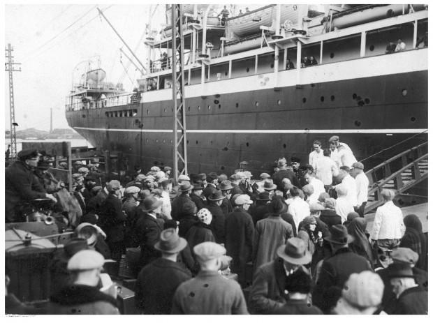 Trudna sytuacja ekonomiczna mieszkańców Wolnego Miasta Gdańska wielu z nich zmuszała do emigracji. Zdjęcie wykonane w 1927 roku.