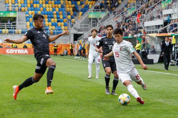 W maju, a także w czerwcu oprócz obstawiania wyników meczów trójmiejskich ligowców, Typer Trojmiasto.pl urozmaiciliśmy o spotkania mistrzostw świata U-20 w Gdyni. Na zdjęciu kadr z meczu Meksyku i Japonii, którego wynik zaskoczył naszych czytelników.