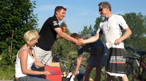 Na zakończenie pikniku Sklep Rowerowy Cyklo w Gdyni wśród wszystkich uczestników wylosował nagrody rowerowe.
