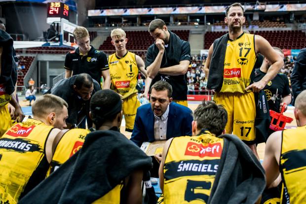 Marcin Stefański kontynuuje swoją pierwszą przygodę trenerską. W Treflu Sopot ma zbudować zespół, który będzie wygrywał w fazie play-off.