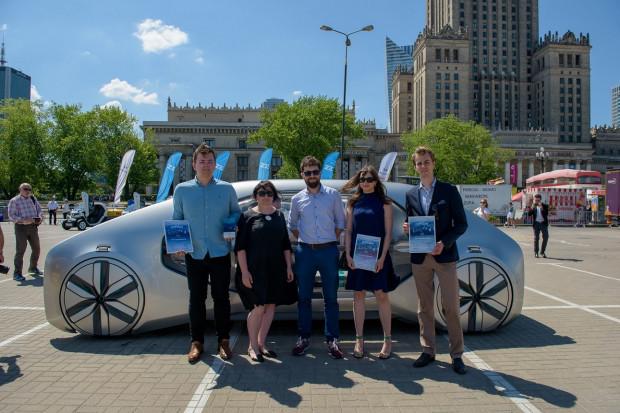 Laureaci drugiego miejsca w konkursie Renault
