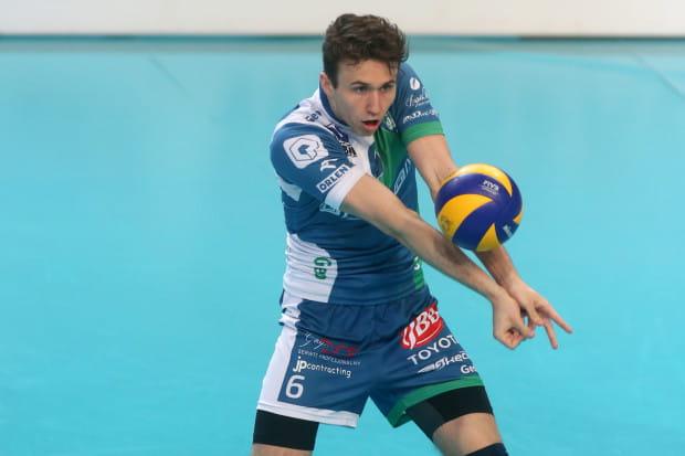 Paweł Halaba ma za sobą spędzoną przygodę w Niemczech, Czechach, a także kilku klubach w Polsce w Asseco Resovii i Onico Warszawa na czele.