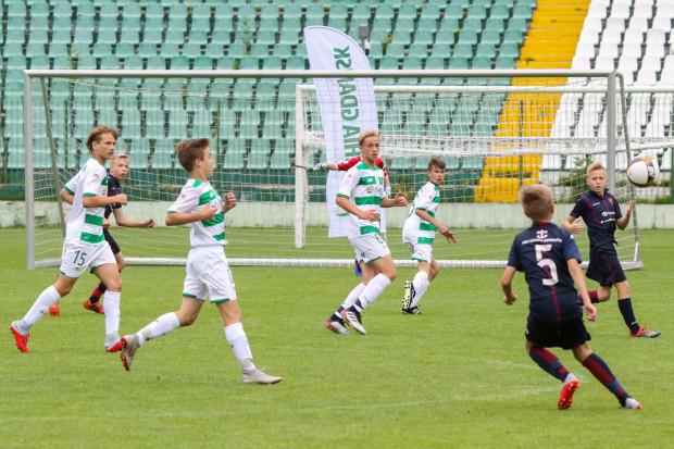 W gdańskim turnieju wzięło udział dwanaście zespołów U-13. W finale Pogoń Szczecin pokonała Lechię.