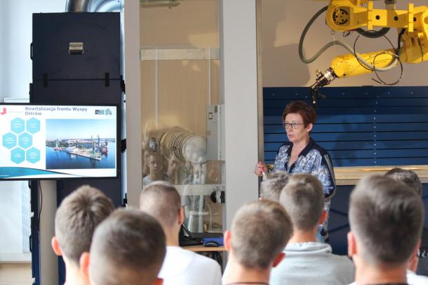 Jako pierwsi w zajęciach prowadzonych przez pracowników PZU Lab uczestniczyli uczniowie klas technik mechatronik Szkół Okrętowych i Ogólnokształcących Conradinum z Gdańska oraz Zespołu Szkół Technicznych we Włocławku.