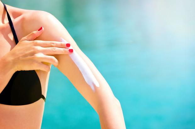 Podstawą bezpiecznego opalania jest stosowanie produktów z filtrem ochronnym.
