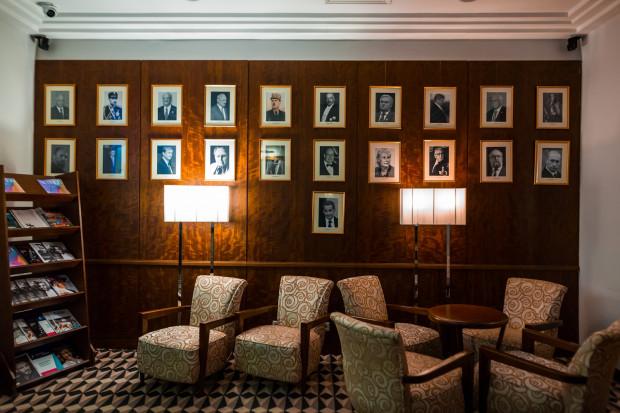 W Grand Hotelu gościły setki znanych osób ze świata kultury, sztuki, sportu czy polityki. Wizerunki najbardziej znanych z nich można zobaczyć na ścianie pamiątkowej w holu hotelu.