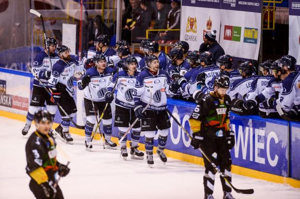 MH Automatyka pełniła rolę sponsora tytularnego gdańskiego klubu hokejowego przez pięć lat. Od następnego sezonu zespół będzie miał nowego partnera głównego.