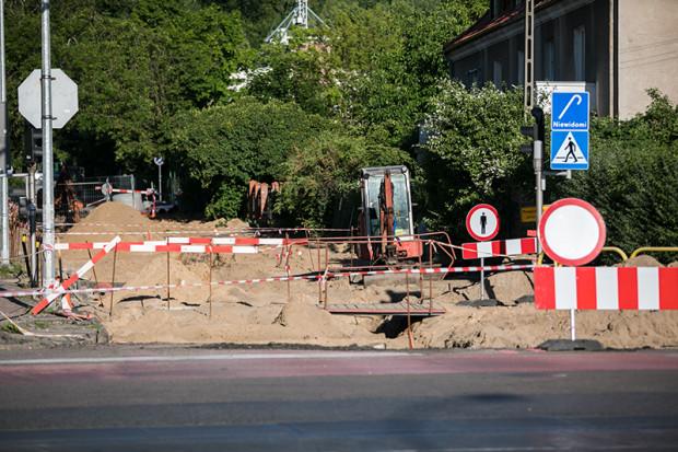Po przeprowadzonych przez GZDiZ remontach zostają odzyskane materiały budowlane, dlatego drogowcy chcą je odsprzedać osobom prywatnym.