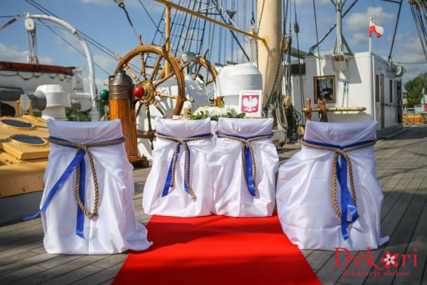 Zdarzyło się, że młoda para jako miejsce zaślubin wybrała Dar Pomorza.