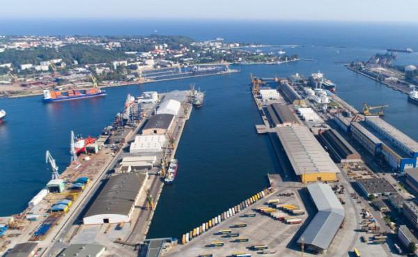Port Gdynia jest trzecim portem morskim w Polsce pod względem przeładunków.