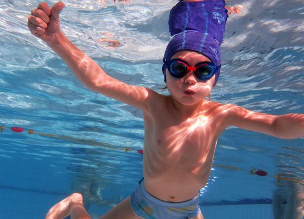 W Trójmieście jest wiele pływalni, z których można korzystać zarówno w okresie letnim, jak i podczas roku szkolnego.