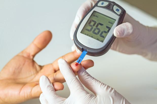 Program zakłada wczesną identyfikację osób ze stanem przedcukrzycowym oraz chorych na cukrzycę w fazie jej bezobjawowego przebiegu.