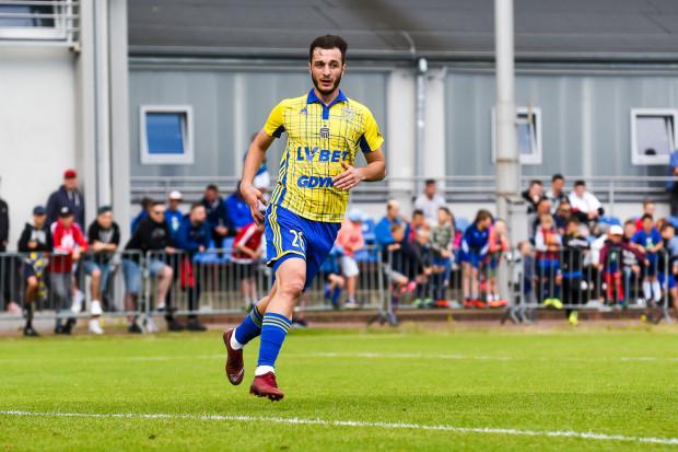 Davit Skhirtladze zaliczył asystę już w 35. sekundzie swojego debiutu w Arce Gdynia. Przyznał, że takie sytuacje pomagają w wejściu do zespołu. Być może gra dla żółto-niebieskich będzie dla niego przepustką do ponownej gry w reprezentacji.