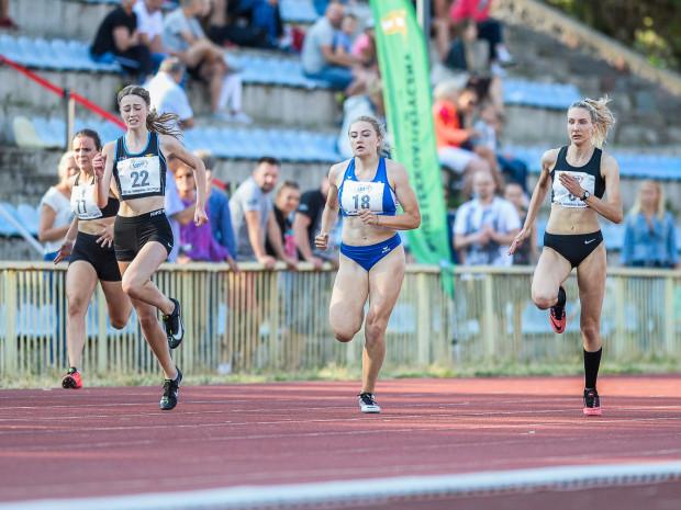 Aleksandra Formella (nr 22) z SKLA Sopot biegła w sztafecie 4x400 metrów, która zdobyła brązowy medal na mistrzostwach Europy do lat 20 w lekkoatletyce.