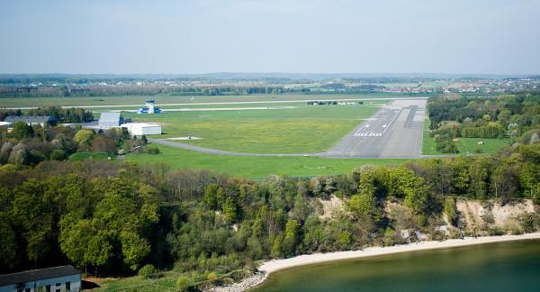 Lotnisko w Gdyni widziane z Zatoki Gdańskiej