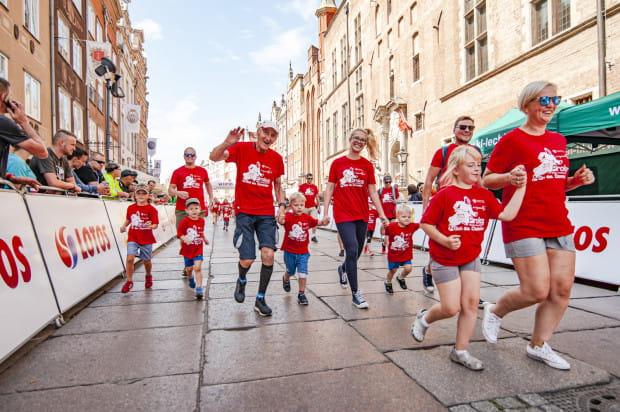 Prolog Goń św. Dominika zgromadził na starcie uczestników z różnych pokoleń. Zawodnicy samodzielnie pokonujący trasę mieli od kilku do ponad 80 lat.