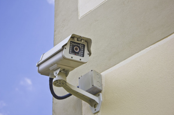 Zanim zdecydujemy się na montaż monitoringu, powinniśmy dowiedzieć się, jak nie naruszać dóbr osobistych osób, które będą utrwalone na zapisie z kamer.