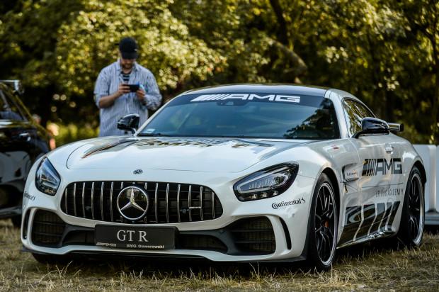 Ozdobą stoiska BMG Goworowski jest najnowszy Mercedes-AMG GT R.