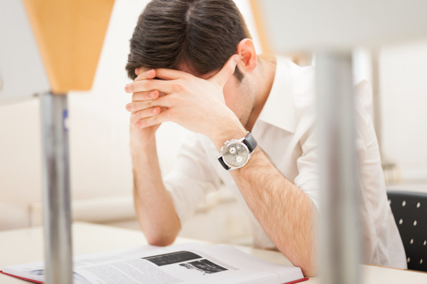 Znaczącym czynnikiem mającym wpływ objawy trądziku jest stres, nasilający się w okresie zdawania różnego rodzaju egzaminów.