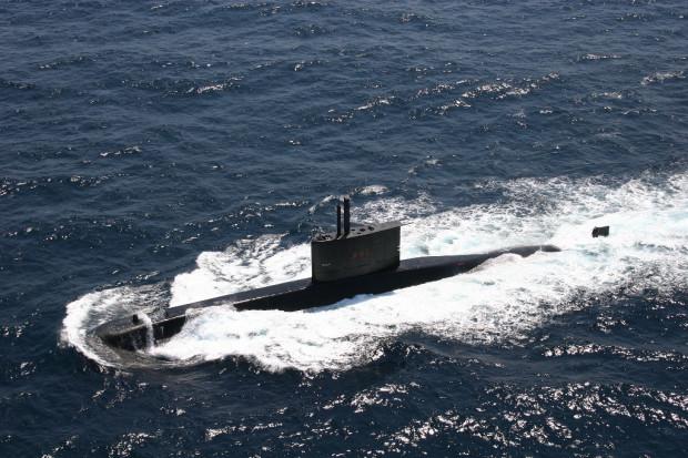 Brazylijski okręt podwodny Tapajo jest wystawiony na sprzedaż. Interesują się nim Polska i Peru.