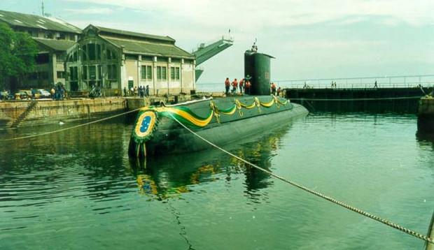 Brazylijska Timbira podczas uroczystości wejścia do służby w 1996 r.