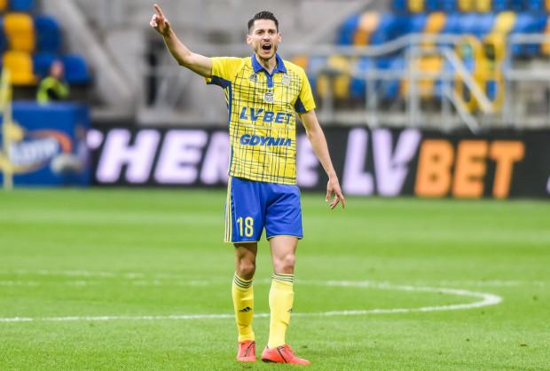 Jeszcze w maju nie było stać Arki Gdynia na nowy kontrakt dla Marko Vejinovicia. Holender wrócił po trzech miesiącach, podpisał trzyletni kontrakt, a teraz ma być liderem żółto-niebieskich.