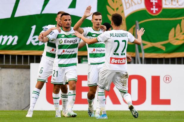 Wyjazdowa wygrana z mistrzem Polski ma dać piłkarzom Lechii impuls do kolejnych zwycięstw.