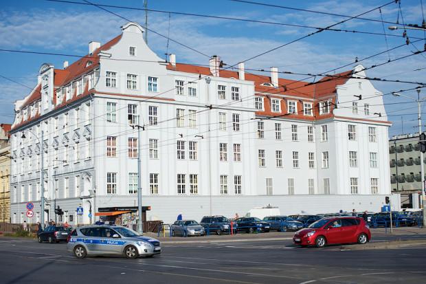 W momencie wybuchu wojny, w gmachu przy Nowych Ogrodach 27, mieścił się Komisariat Generalny Rzeczpospolitej Polskiej. Dziś to siedziba Komendy Miejskiej Policji w Gdańsku.