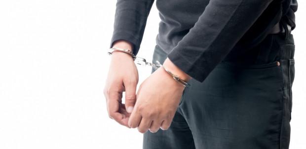 Kryminalni z gdańskiej komendy na polecenie prokuratora zatrzymali mężczyznę - duchownego, podejrzanego o zgwałcenie kobiety. Na wniosek prokuratora sąd zastosował wobec niego tymczasowy areszt.