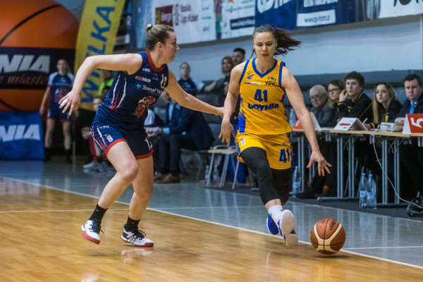 Koszykarki Arki Gdynia i Politechniki Gdańskiej spotkały się po raz pierwszy od czasu zakończenia poprzedniego sezonu.