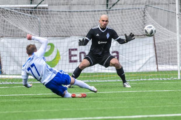 Marcin Matysiak w niedzielę dwukrotnie musiał wyciągać piłkę z siatki. Za to jego koledzy ponownie nie byli w stanie sami zdobyć gola.