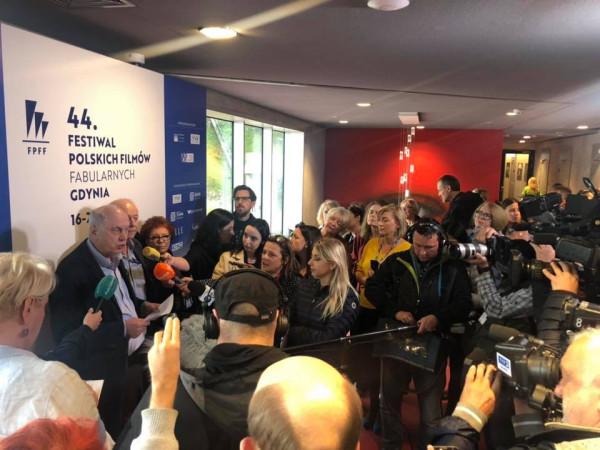 O decyzji producenta najnowszego filmu Jacka Bromskiego we wtorkowe popołudnie poinformowali organizatorzy gdyńskiego festiwalu.