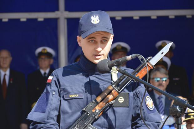 Jednym ze składających przysięgę był marynarz podchorąży Filip Mucha.
