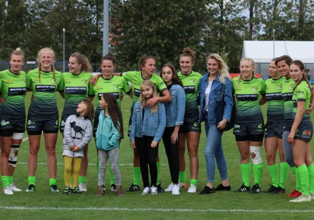 Rugbistki Biało-Zielone Ladies Gdańsk z kompletem punktów przewodzą w mistrzostwach Polski sezonu 2019/20. Teraz 8 z z reprezentacją Polski nich czekają wspólnie treningi i mecze z drużynami narodowymi Francji i Irlandii.