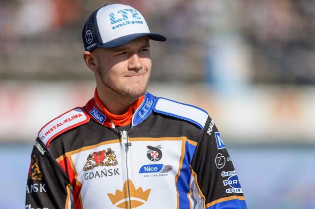 Krystian Pieszczek był rezerwowym na turnieju GP w Warszawie w 2017 roku, ale nie otrzymał szansy wyjazdu na tor. Teraz trzyma kciuki za młodszego kolegę.
