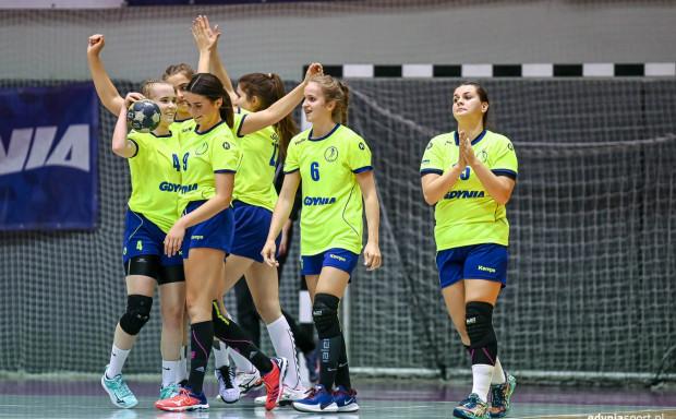 II-ligowy zespół SPR Arki Gdynia oparty jest na juniorkach, które zdobyły w tym roku brązowy medal mistrzostw Polski.